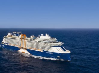 Camminando Su Celebrity Edge